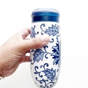 Blue and White Chinese Porcelain Tea Drink Tumbler